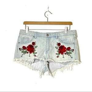 DIVIDED H&M Embroidered Denim Shorts Size 8